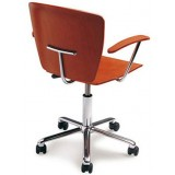 Sellex series Agora Basic chair on castors and arms